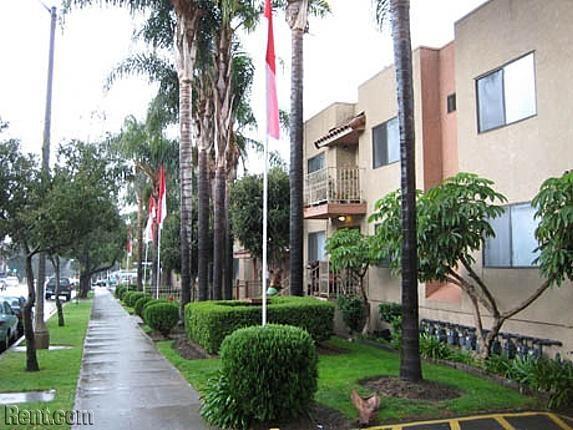 Fairoaks Pointe Apartments 1583 1629 N Fair Oaks Avenue Pasadena Ca 91103 Rent Com Pasadena Apartments Renting A House Pasadena