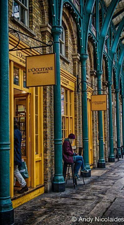 London\'s Covent Garden / Posed by. Art,Craft & Architecture ...