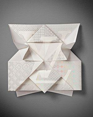 Tarjeta invitación Louis Vuitton para su nueva tienda en Osaka, realizado con la técnica del origami.