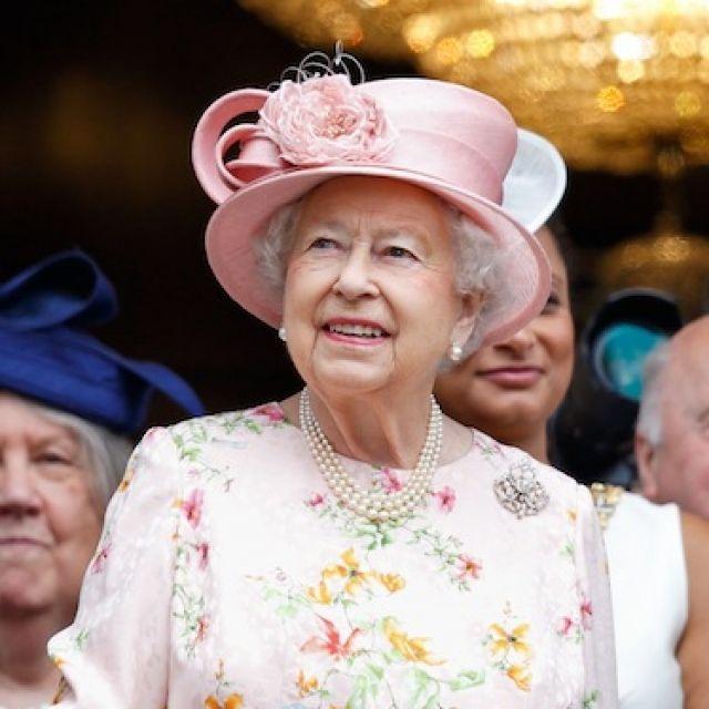 御年90歳、エリザベス女王御用達の名品コスメ