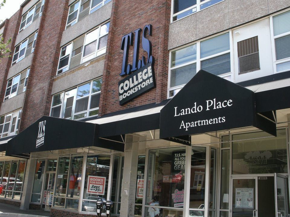 Looking For 1 Or 2 Bedrooms Apartments Check Out Lando Place Located In The Heart Of Campus Town At 707 S Sixth St In Apartment 2 Bedroom Apartment Champaign
