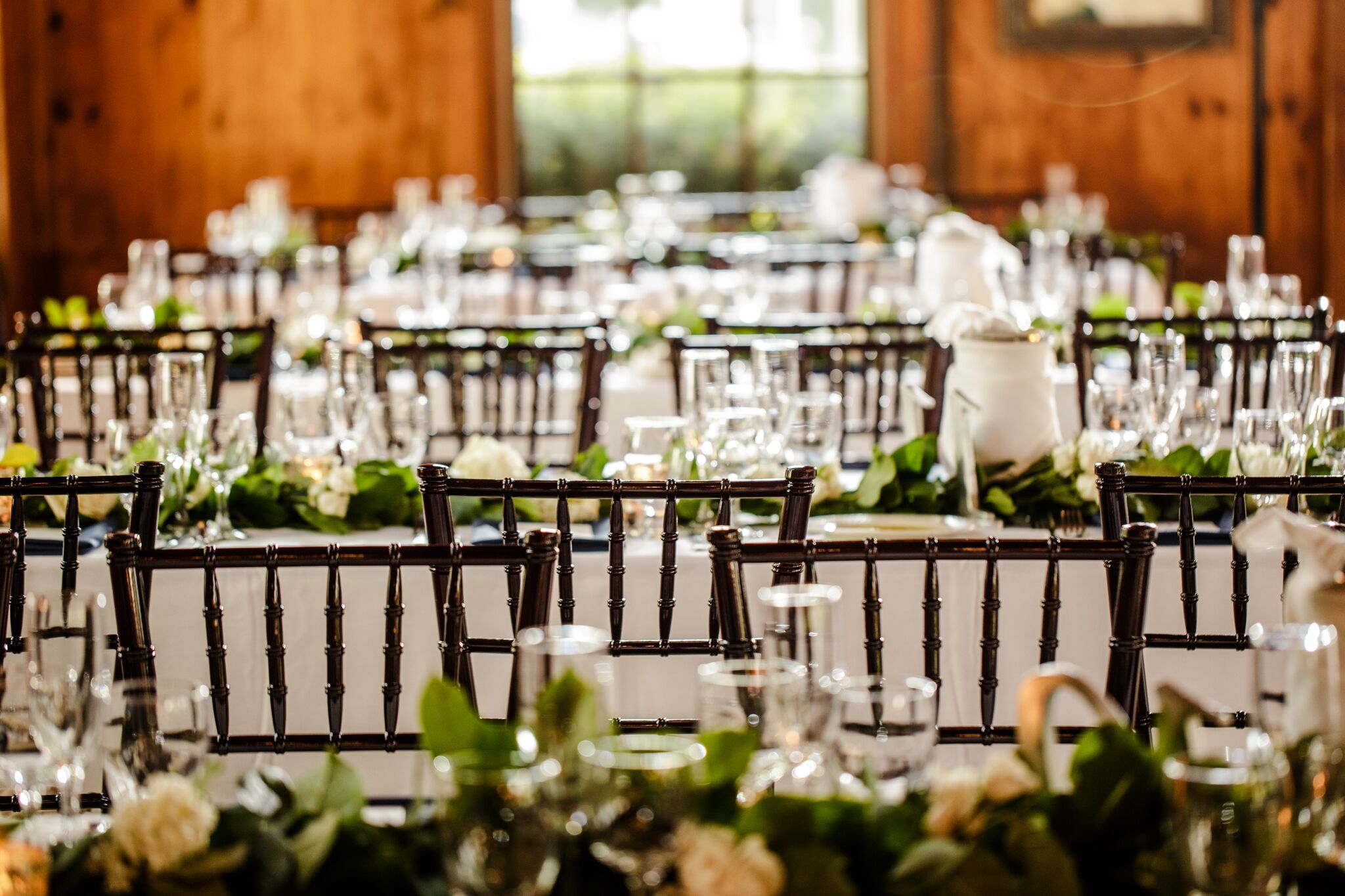 Wedding Reception Ideas At Wellers Carriage House Saline Michigan Michigan Wedding Venues Ann Arbor Wedding Venues Chiavari Chairs Wedding