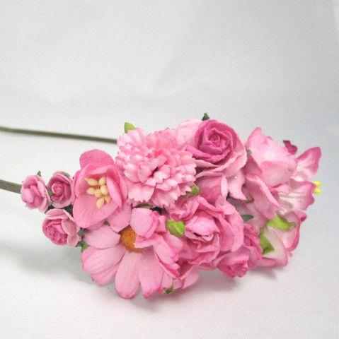 Hårbøjle med blomster i pink- Unik hårpynt fra Cloudcake - Cloudcake
