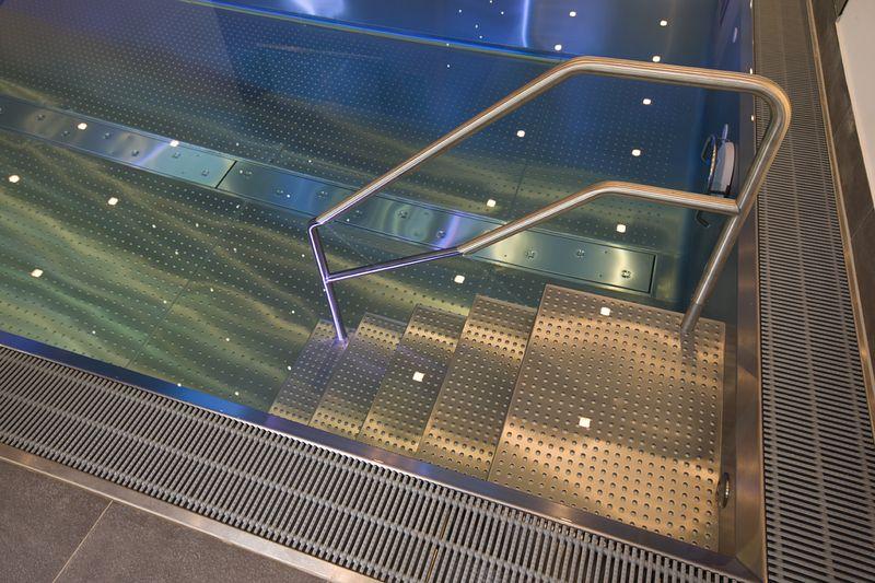 edelstahl pool elite private indoor pools. Black Bedroom Furniture Sets. Home Design Ideas