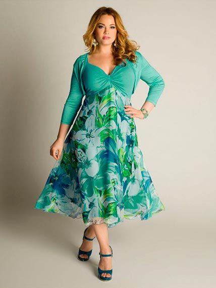 Vestido para invitadas color verde estampado de flores manga tres ...