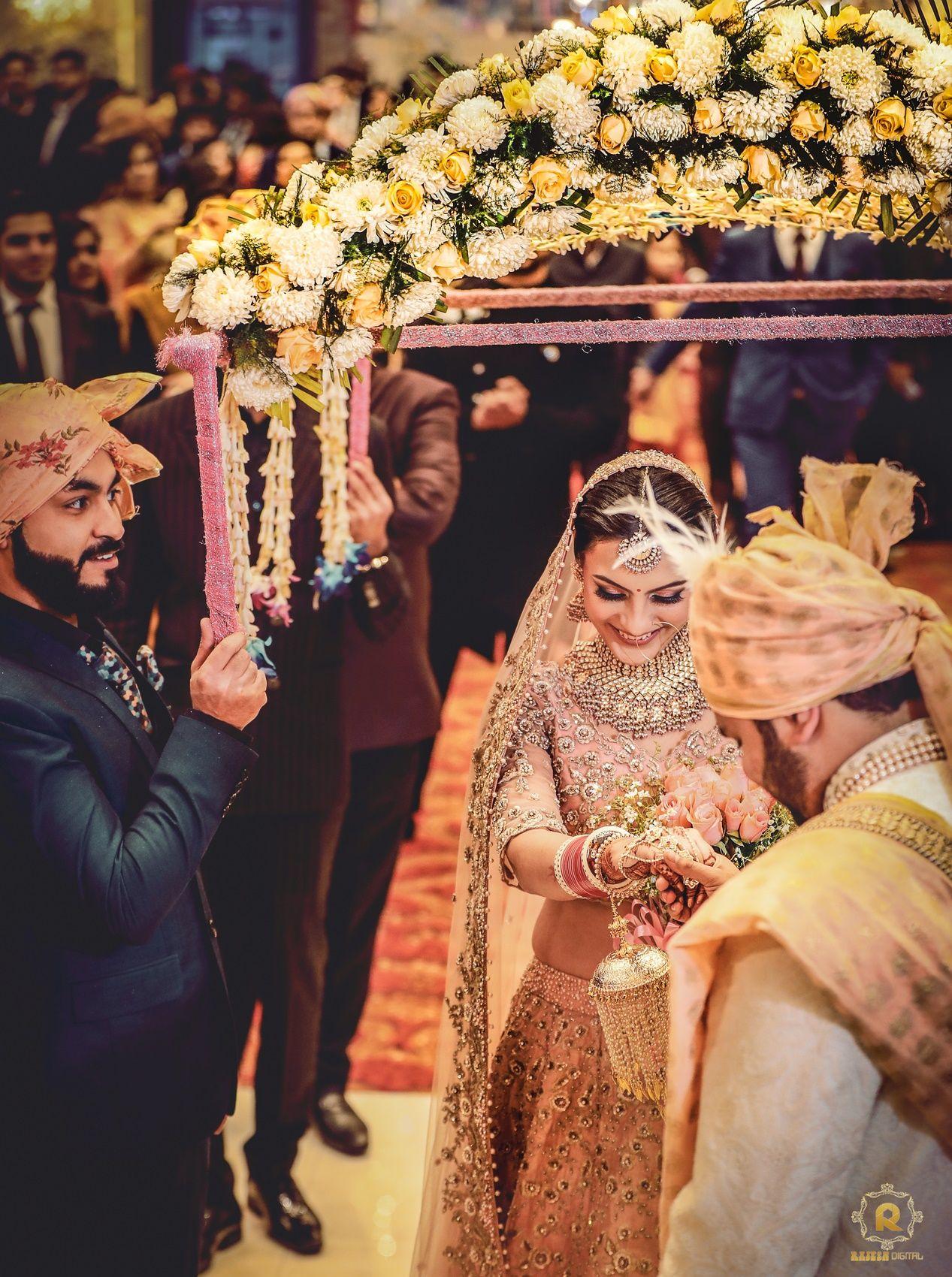 Get ready to screenshot this Delhi Wedding a full house