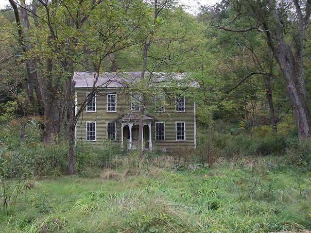 Long Abandoned House on East Archer's Fork Rd. by Luckydog15, via Flickr