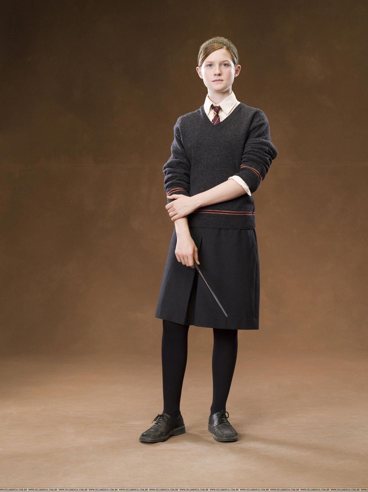 Bonnie Wright as Ginny Weasley - Hogwarts uniform | Schnittmuster ...