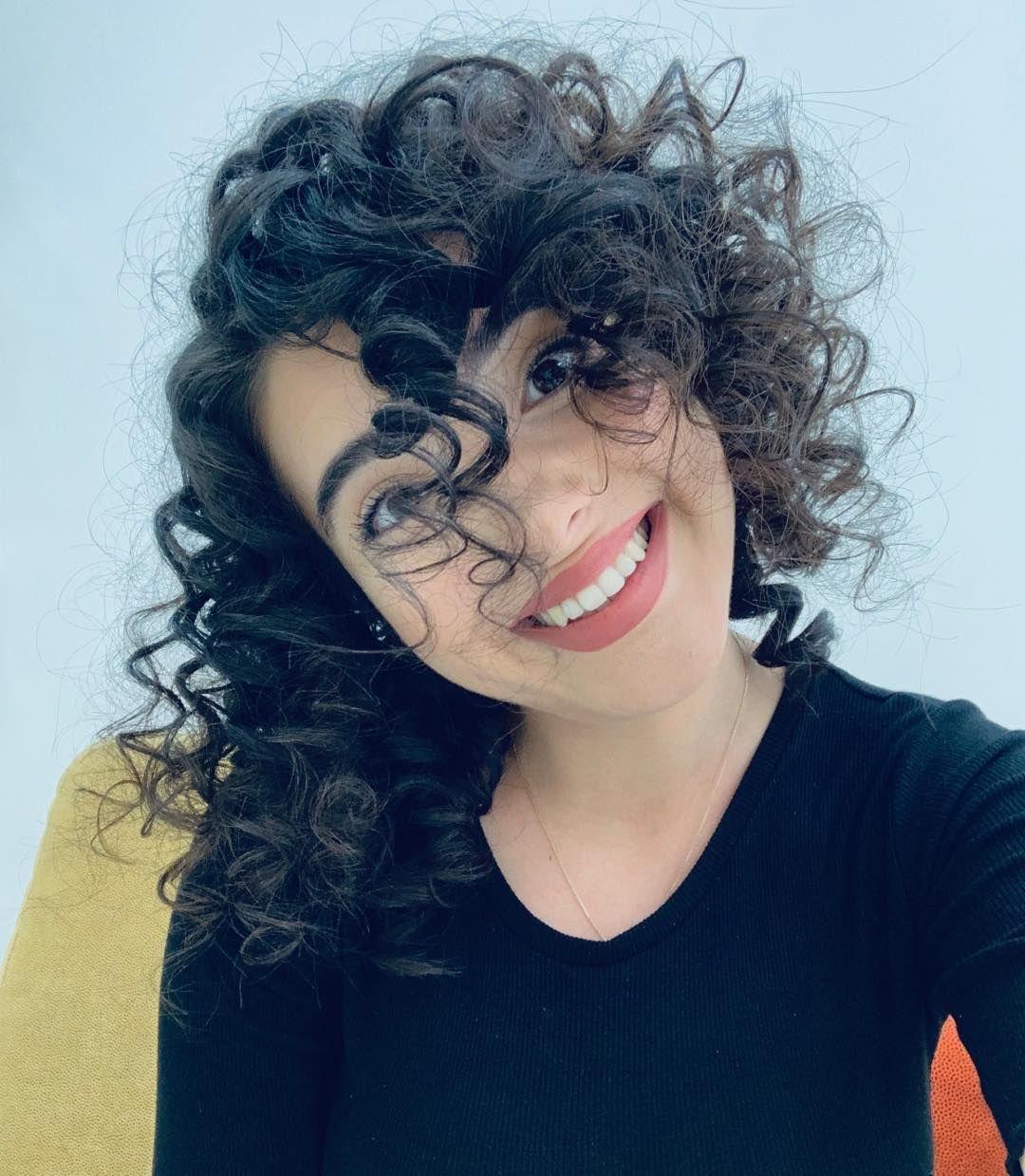 Nahide Babasli Instagram Da Paylasimda Bulundu Dusenin Dostu Olduk Dusen Dustugunu Inkar Etti Nahideba Halloween Face Makeup Hair Styles Face Makeup