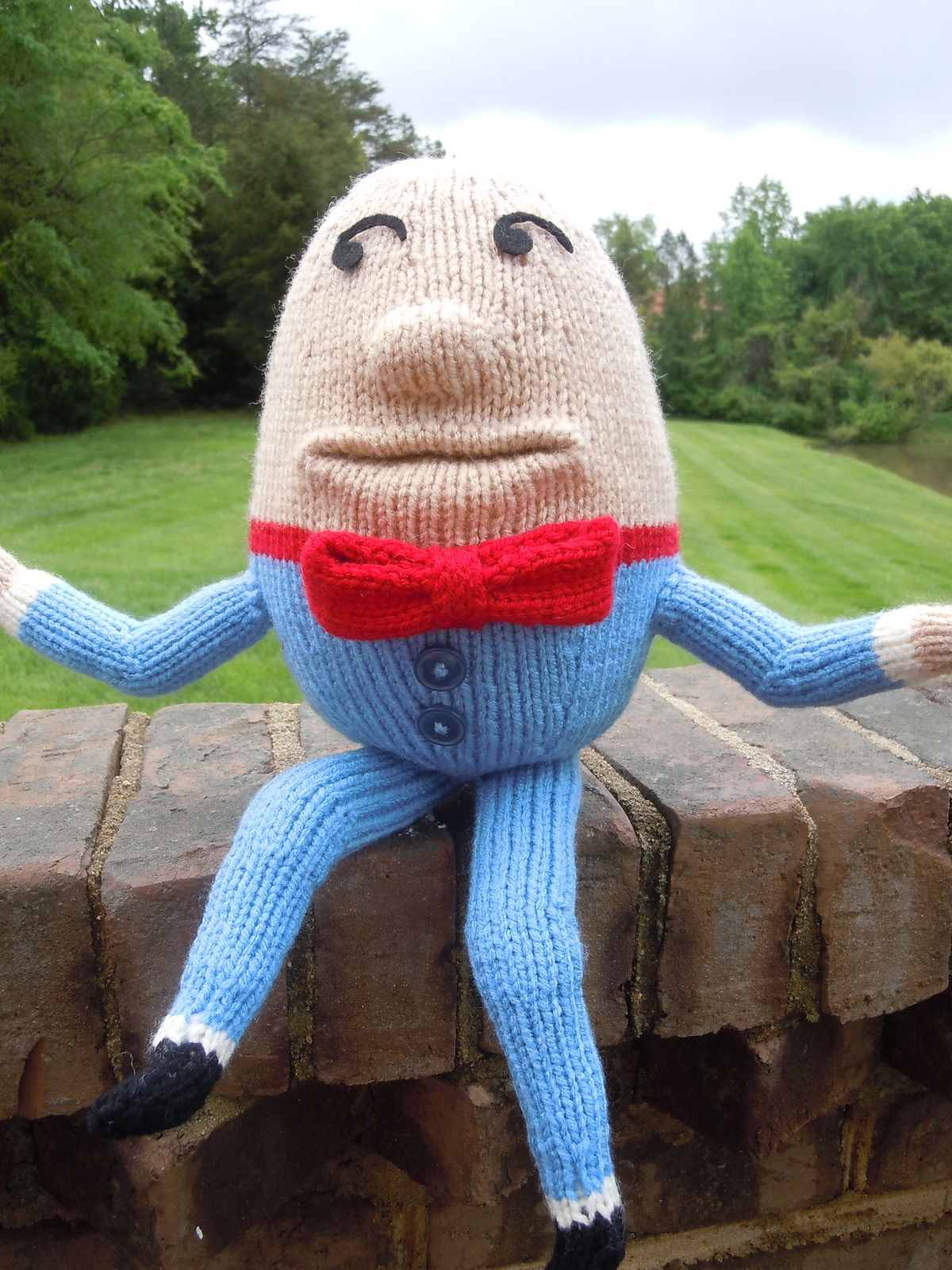 Free Knitting Pattern for Humpty Dumpty - Toy softie inspired by the ...
