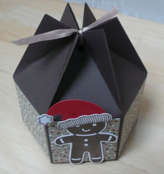 kleine sechseckige box mit anleitung zum nachbasteln verpackungen pinterest geschenkbox. Black Bedroom Furniture Sets. Home Design Ideas