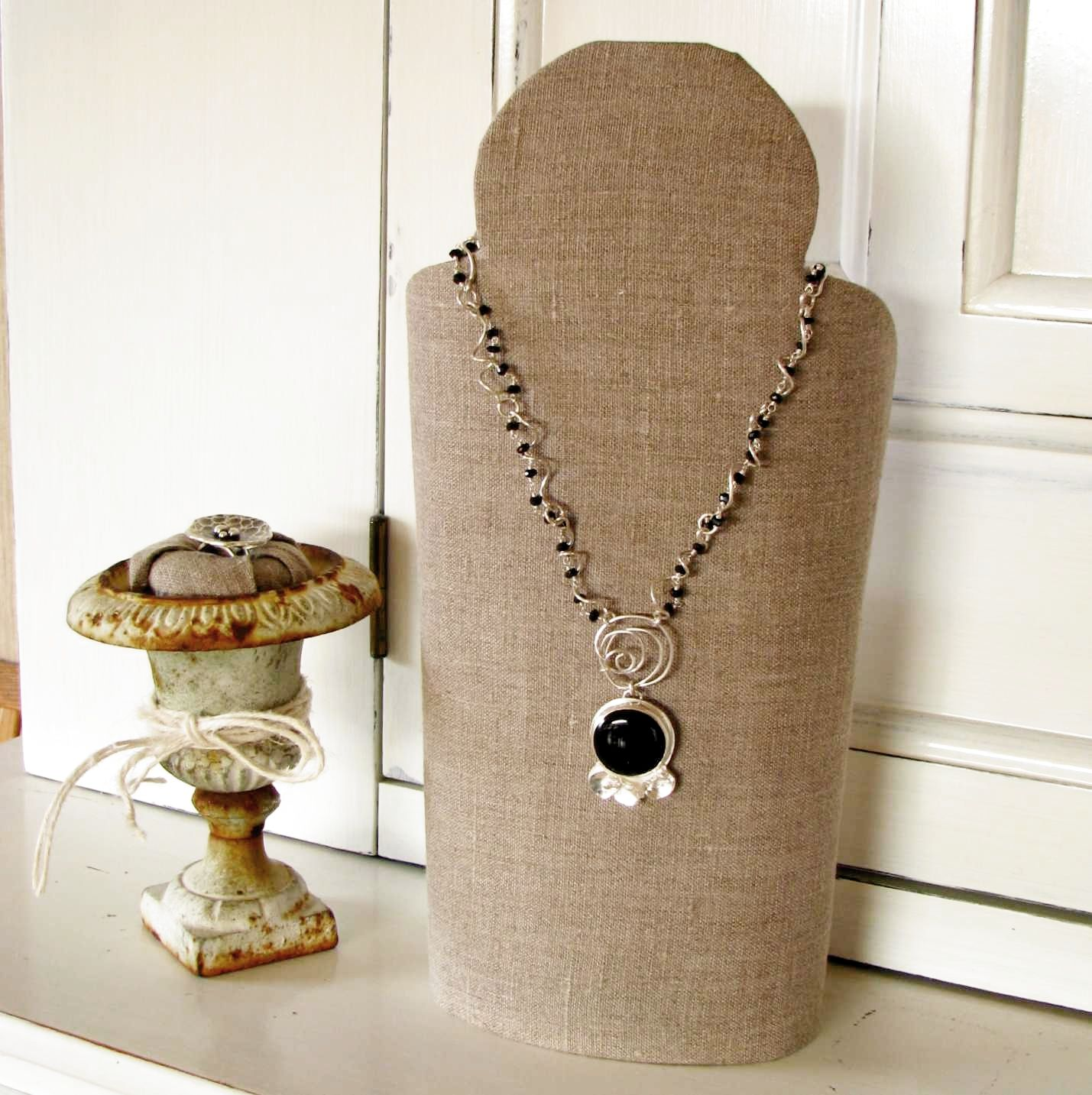 how to make cardboard necklace display