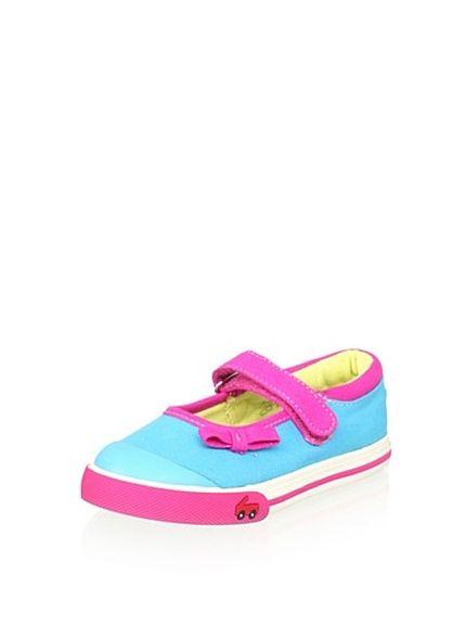 See Kai Run Bridget Sneakerhttp://www.myhabit.com/ref=qd_sw_ty_pi_li?refcust=FGTCR3M75CVSROPLFQ45VU5CL4&#page=d&sale=A3N5WDXHKED4A8&asin=B008RIFZAM&cAsin=B008RILQVO