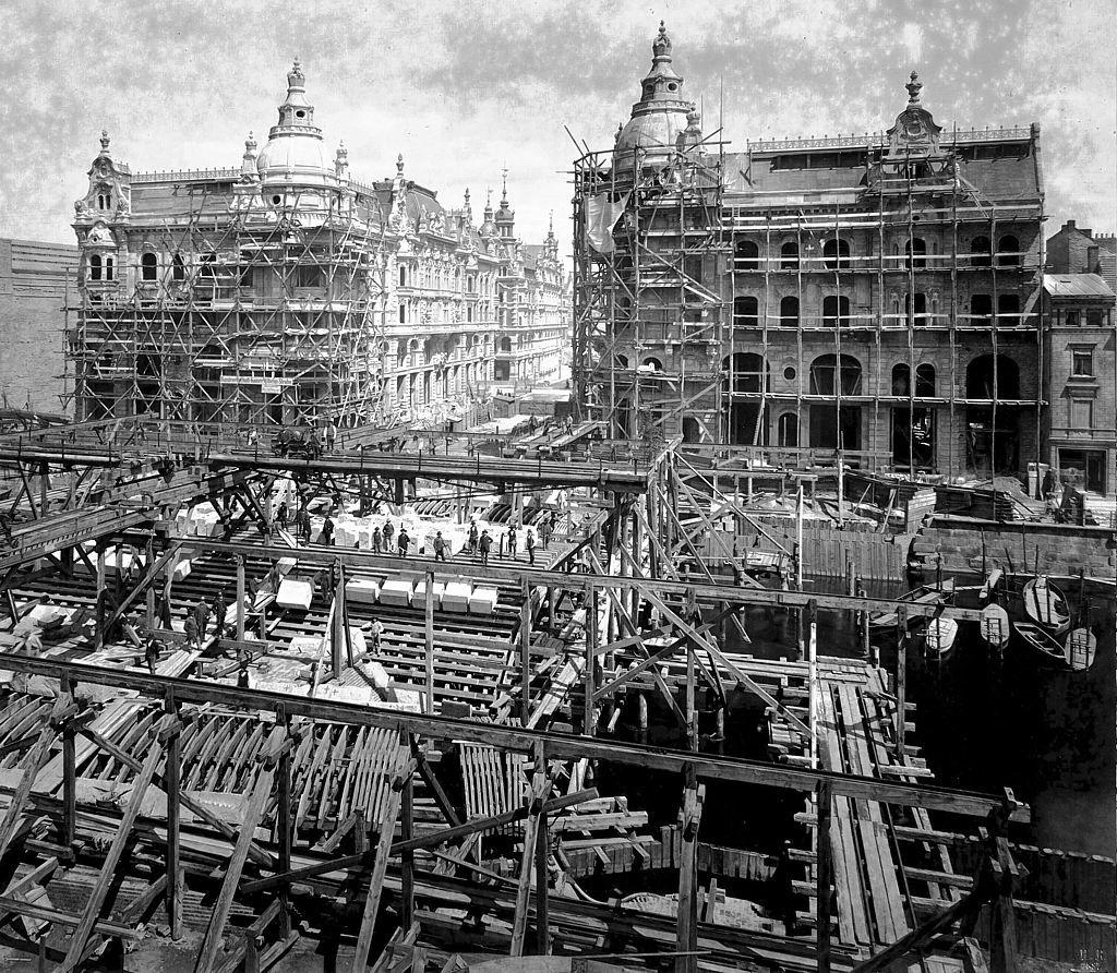 Building Kaiser Wilhelm Bridge, Berlin, 1887