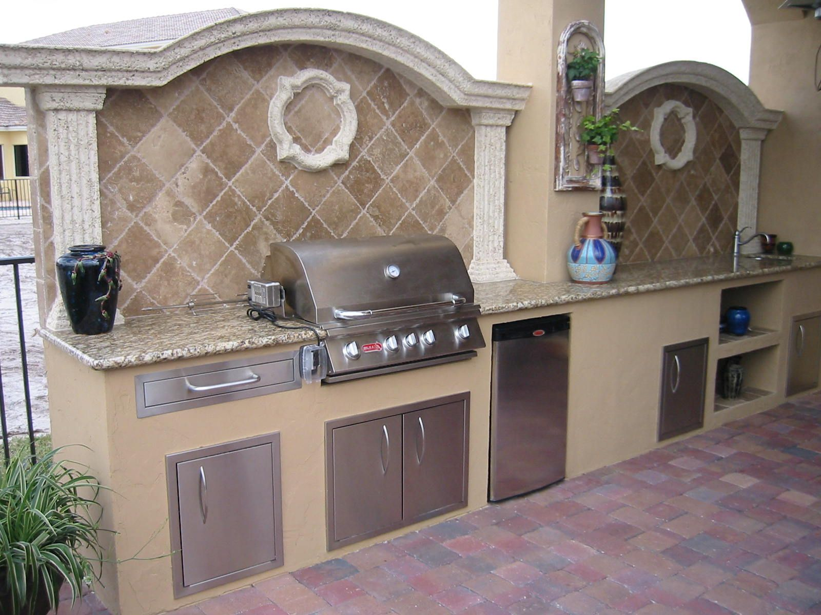 Outdoor Grill Island Backsplash More Custom Outdoor Kitchen