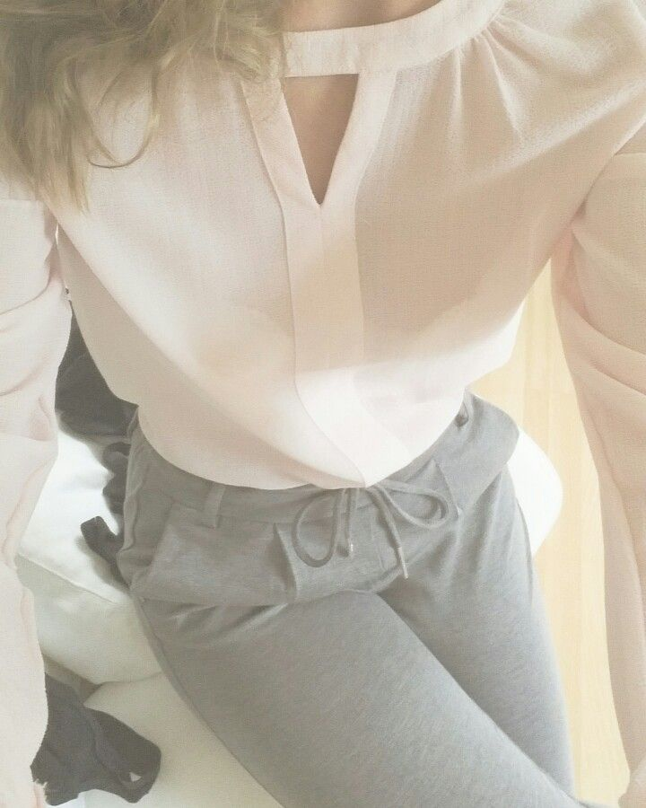 Pants from ONLY, blouse from Vero Moda