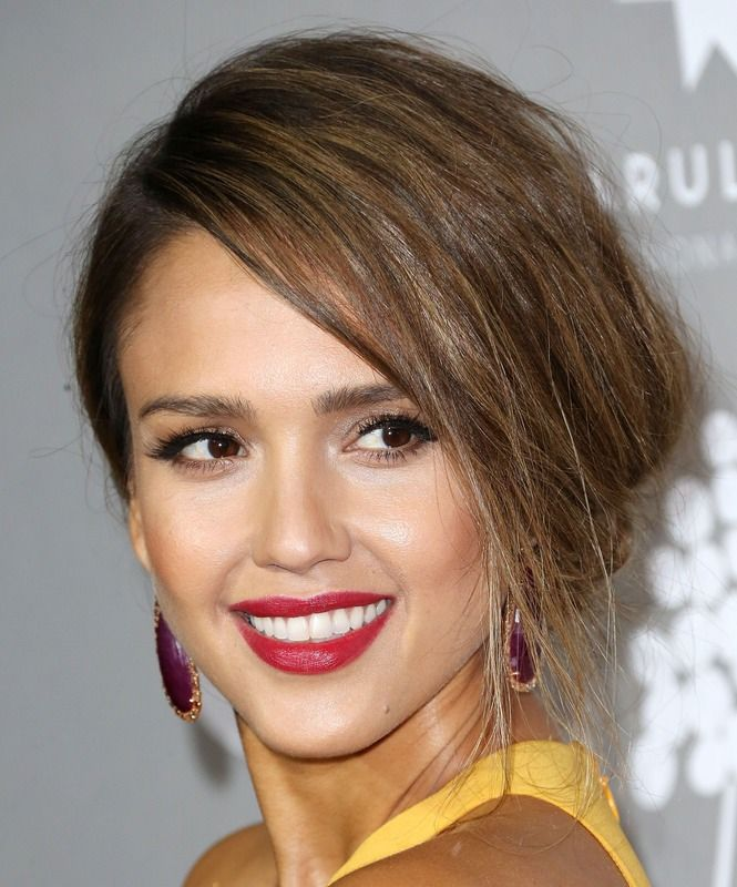 Jessica Alba Posts No Makeup Selfie That's All About Her Eyes ...