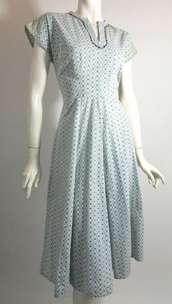 1940s House Dress My Mom Wore These Well Into The 50s Most Housewives Dresses Not Slacks Or Pants
