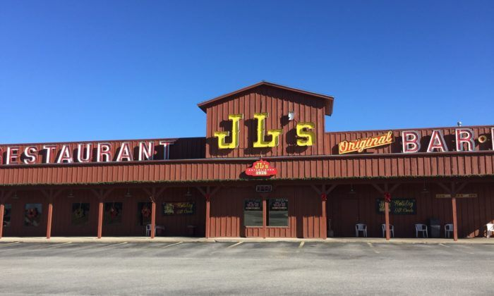 Head To This Small Town Oklahoma Restaurant For The Most Epic