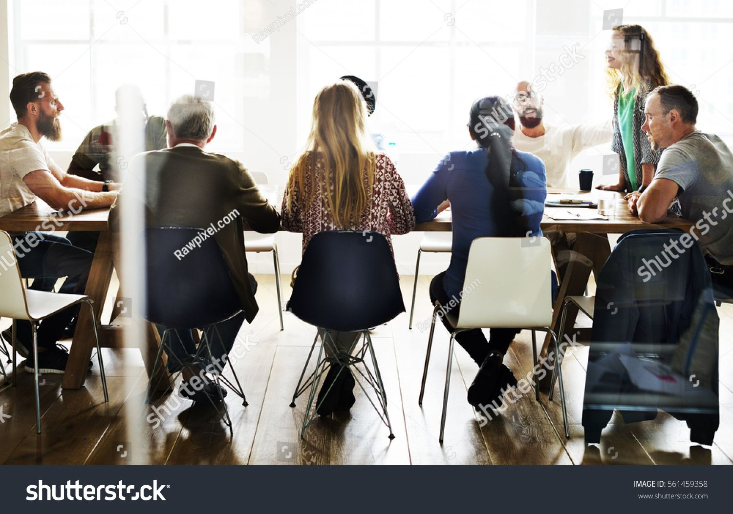 Meeting Table Networking Sharing Concept (มีรูปภาพ)