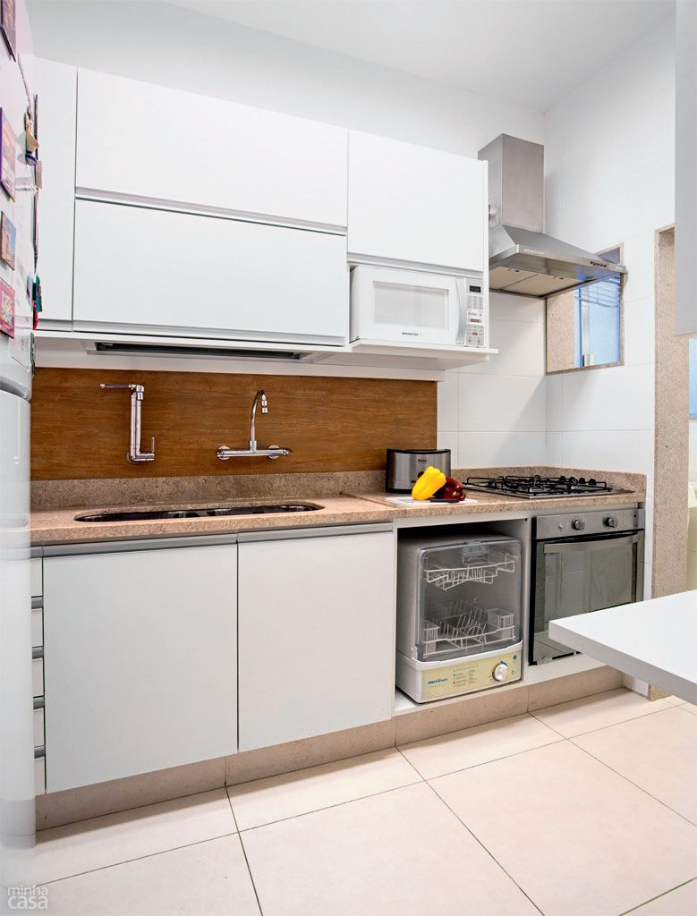 Acabamentos Brancos E Marcenaria Rejuvenescem Cozinha Carioca
