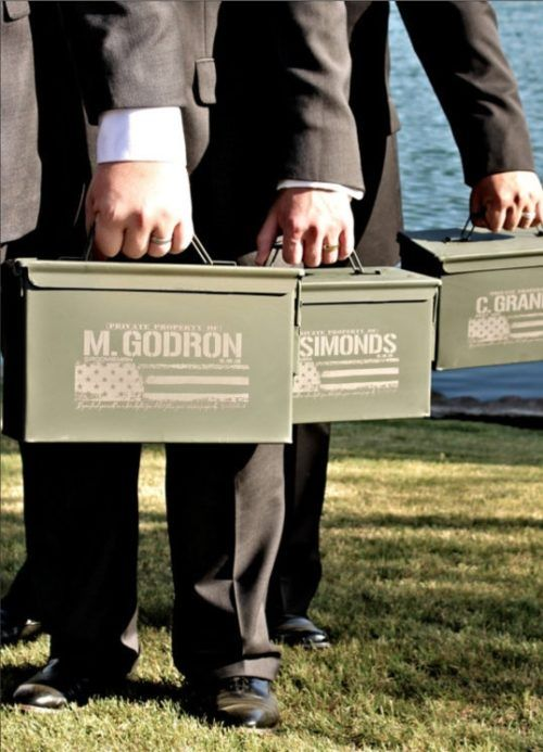 35 Awesome Ways To Thank Your Groomsmen And Groom Groomsmen