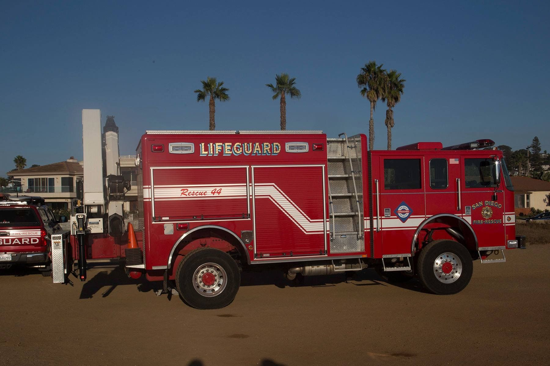 San Diego FD Lifeguard apparatus, equipped for cliff rescues