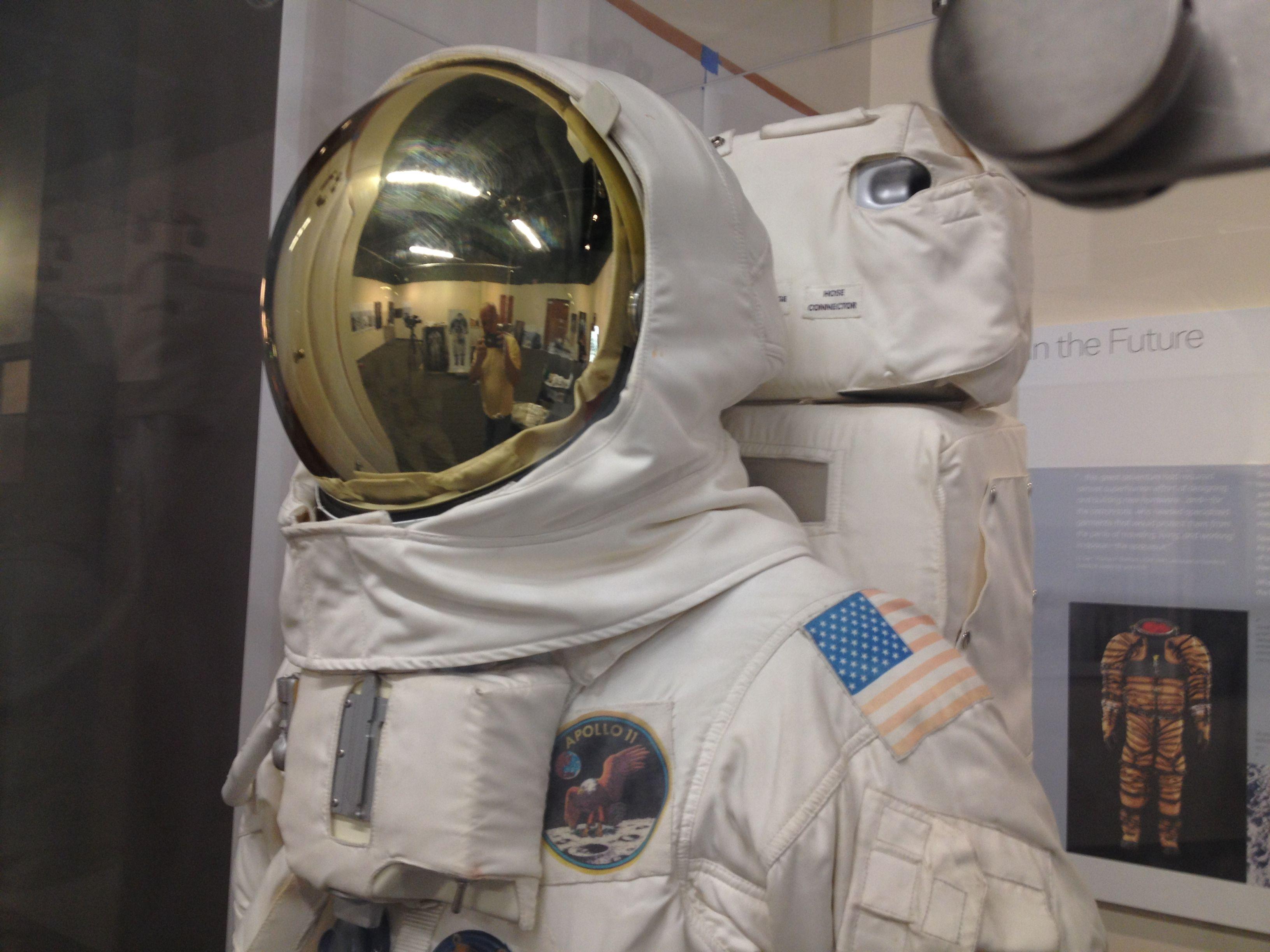 apollo 11 space helmet - photo #10