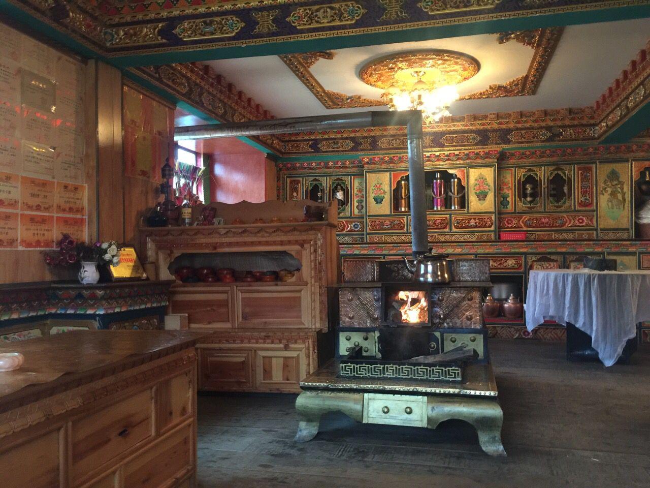 Tibetan House Is Looted With Follower House Decor Home Decor