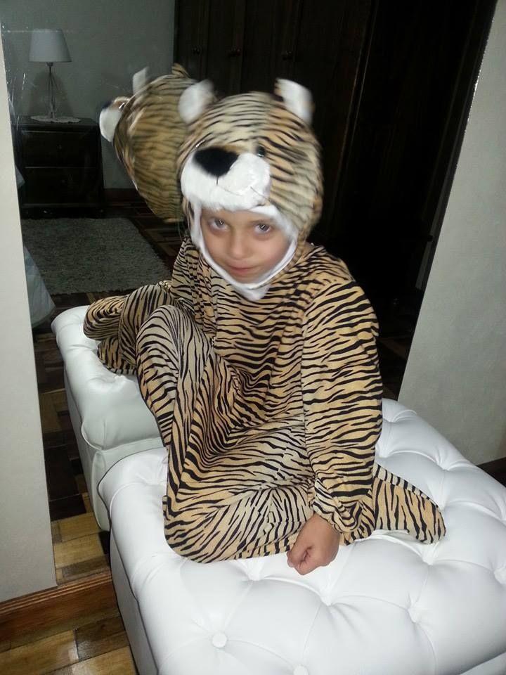 Loly con su disfraz de tigre