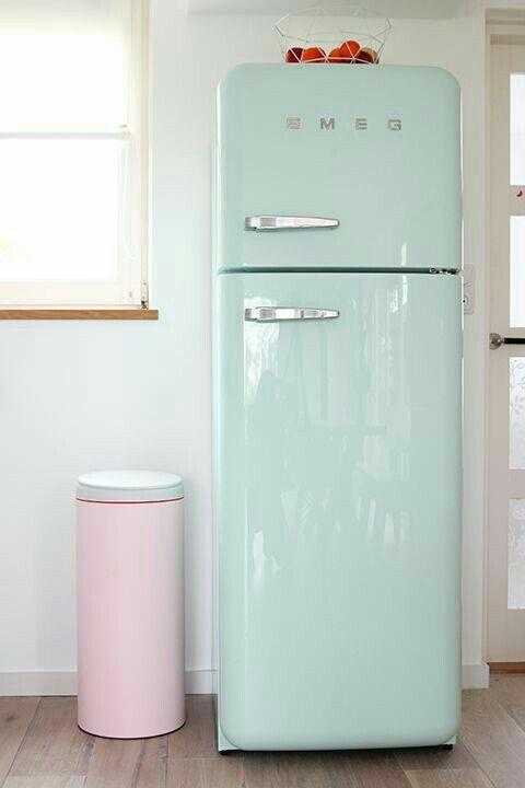 Frigo smeg cuisine intelligente intérieur pastel les demoiselles de rochefort séjour cuisine appartements déco maison cuisiner suis moi