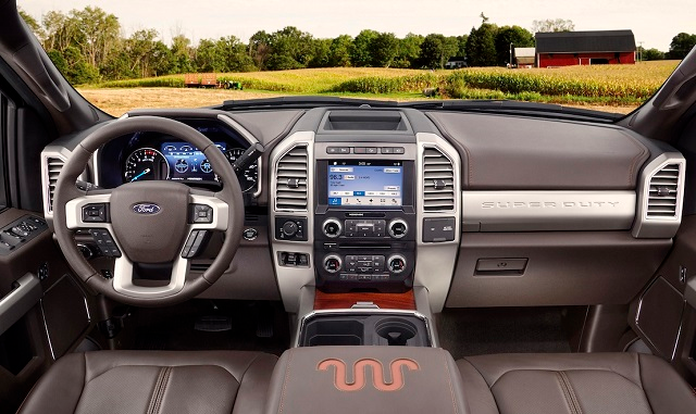The 2021 Ford F250 Super Duty Is The Entry Level Truck For The Hd Lineup The Blue Oval Company Also Offers F350 Experts Consid F250 Super Duty Ford F250 F250