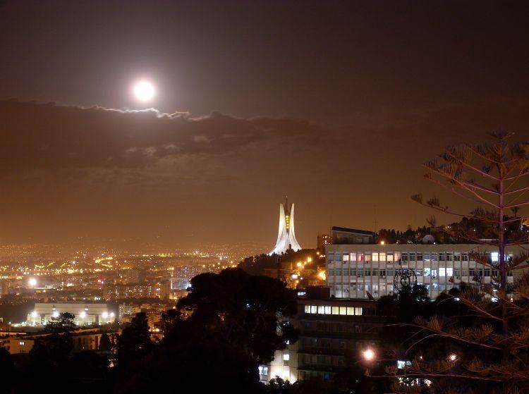 Photos D Alger Les Plus Belles Places De La Capitale Beautiful Pictures Beautiful Places Skyline