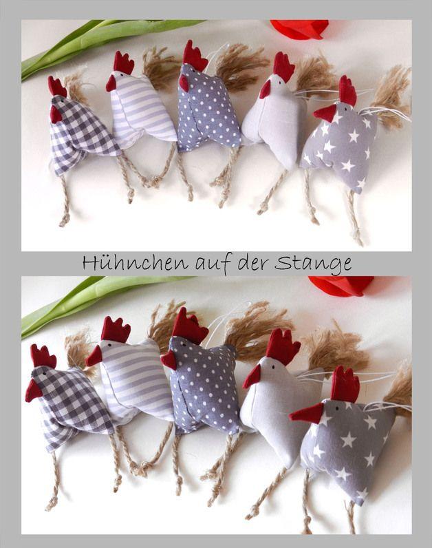 Deko-Objekte - Frühjahrs-Oster-Deko 5 aufgeregte Hühnchen Huhn - ein Designerstück von uggla-deko bei DaWanda
