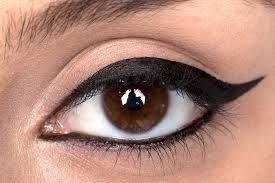 Best Eye-liner stays long time