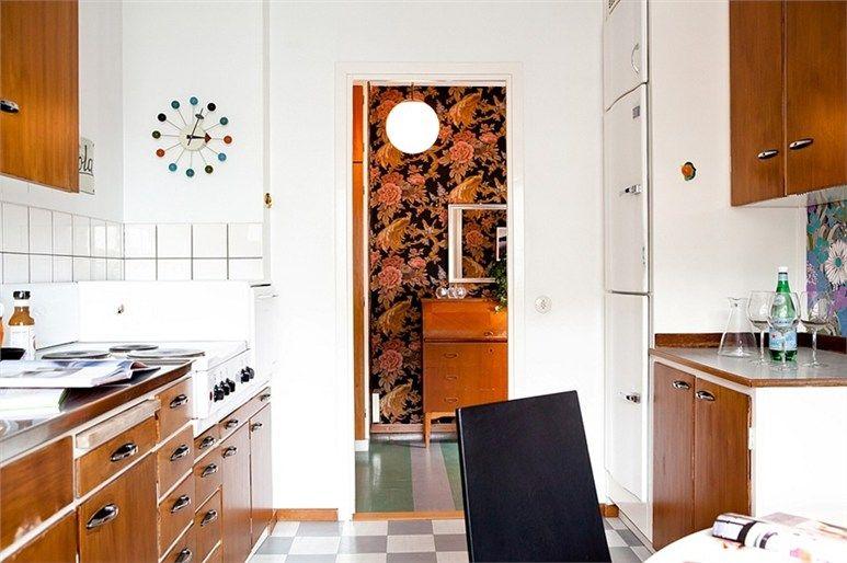 Swedish 1950 kitchen with metal/plastic handles: www.byggfabriken ...
