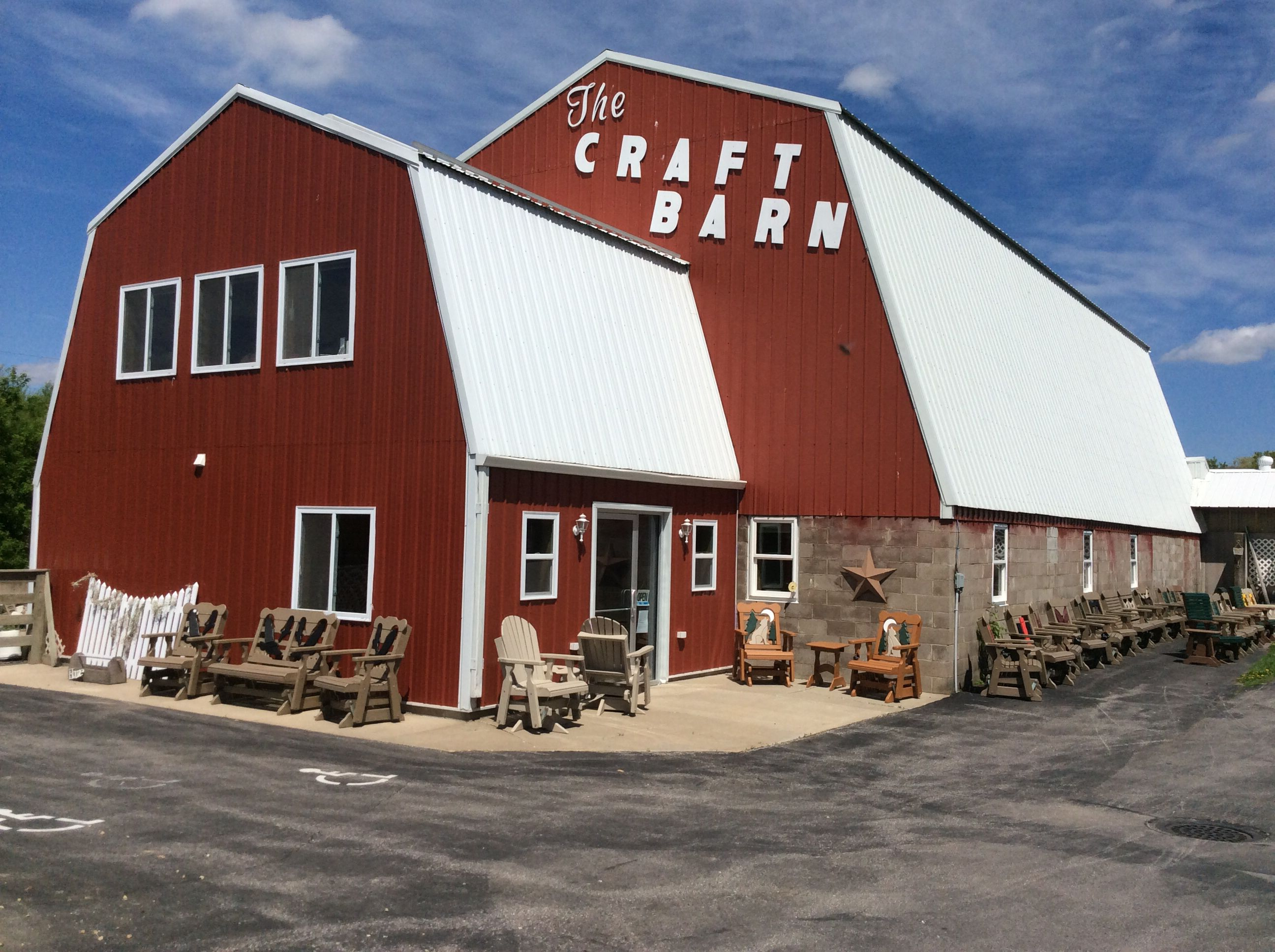 The Craft Barn Galesville Wisconsin Www Craftbarngalesville Com A Renovated Dairy Barn Turned Into A Wisconsin Vacation Wisconsin Travel Wisconsin Waterfalls
