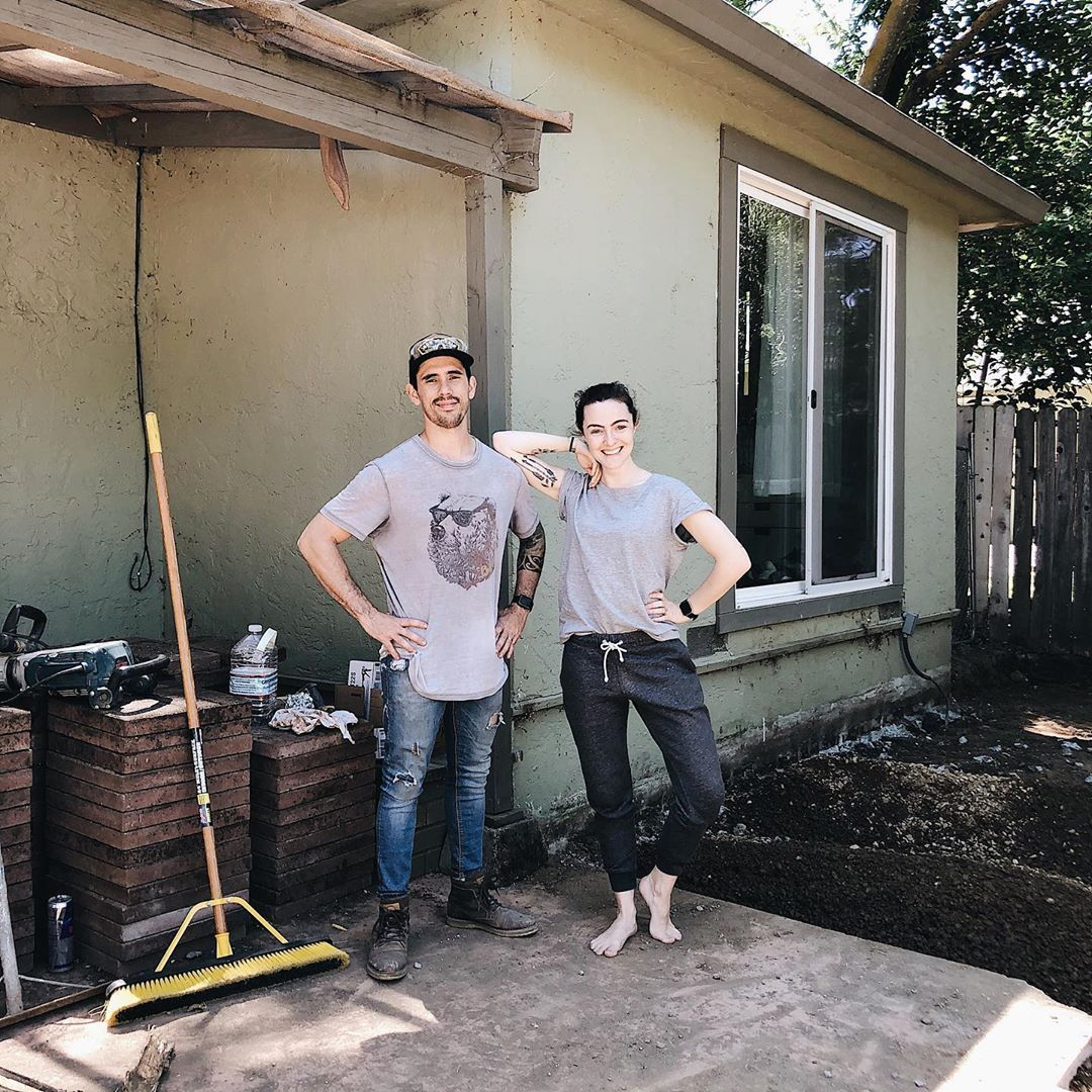Gabriel is working hard with our builders on getting the ground ready for concrete outside while I am on a minimizing spree on the inside! Team work makes the dream work and, we're excited to be making massive progress! | Parents • Educators • Entrepreneurs | Learn How to Make Money Online  #lessismore #experiencesoverthings #themayesteam #livesmall #tinyhouse #liveminimal  #minimaliving #marriedwithkids #realparenting #motherofdaughters #mothersaremagic #littlepiecesofchildhood  #homeschoollife