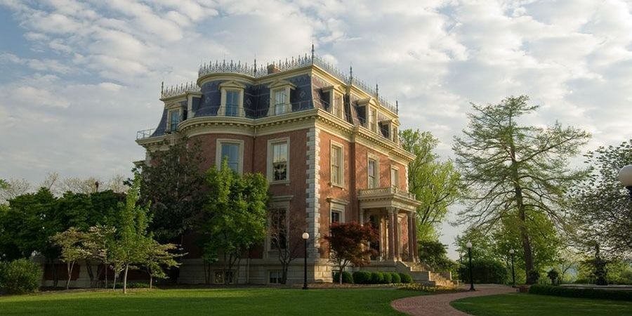 The Missouri Governor S Mansion 100 Madison Street Jefferson City Mo 65101 573 751 4141 Mansions Empire House Cool Landscapes