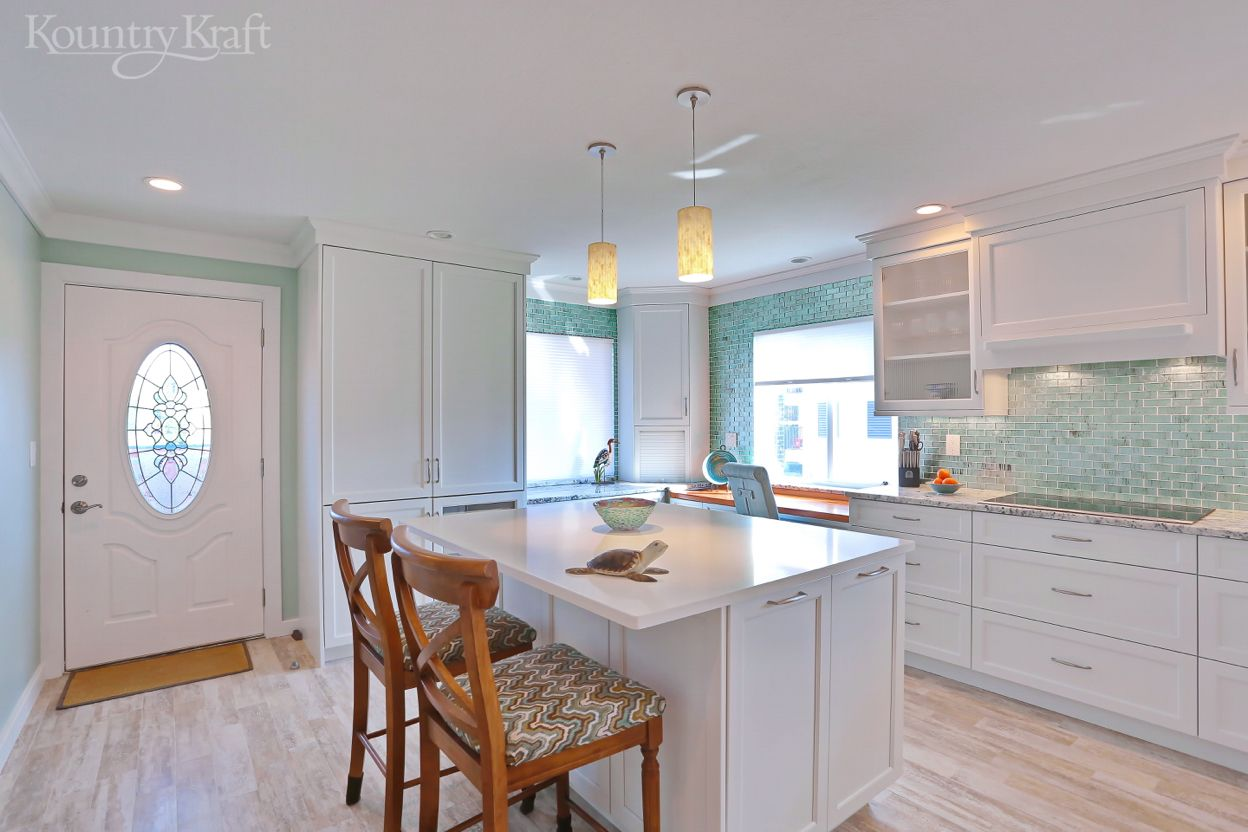 Transitional White Cabinets In Venice Fl Custom Kitchen Cabinets Custom Kitchen Island Custom Kitchen Cabinets Design