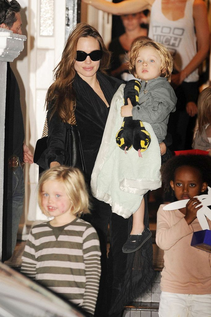 Shiloh Jolie-Pitt Photos Photos: Angelina Jolie and ...