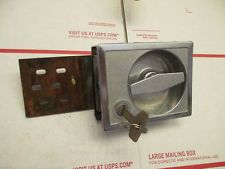 RV DOOR LATCH, LOCK AND KEY,FROM A CHINOOK, NEWPORT VINTAGE
