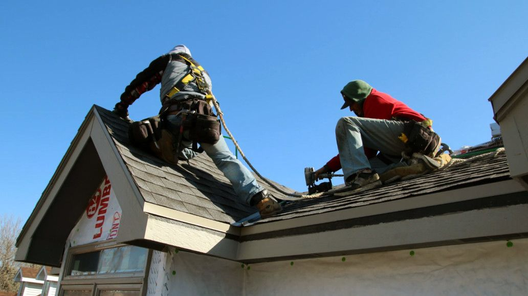 Best And Professional Roofers Available In Lincoln City Cool Roof Roofing Roofer