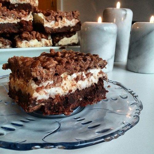 tårta chokladbotten fyllning