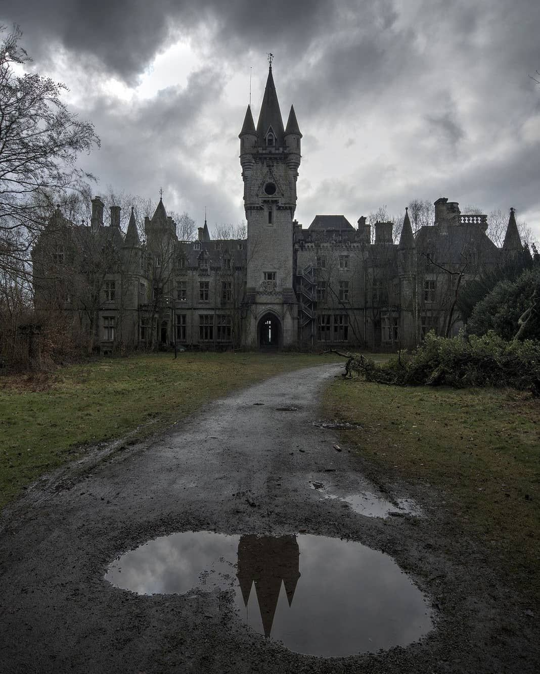 Pin by Custom Designs on Abandoned Mansions in 2019