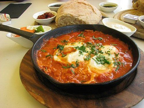 Shakshuka is a dish with origins in algeria and tunisia it has algerian shakshouka recipe from ifood shakshuka is a dish with origins in algeria and tunisia it has similarities to a couple of other dishes arou forumfinder Images