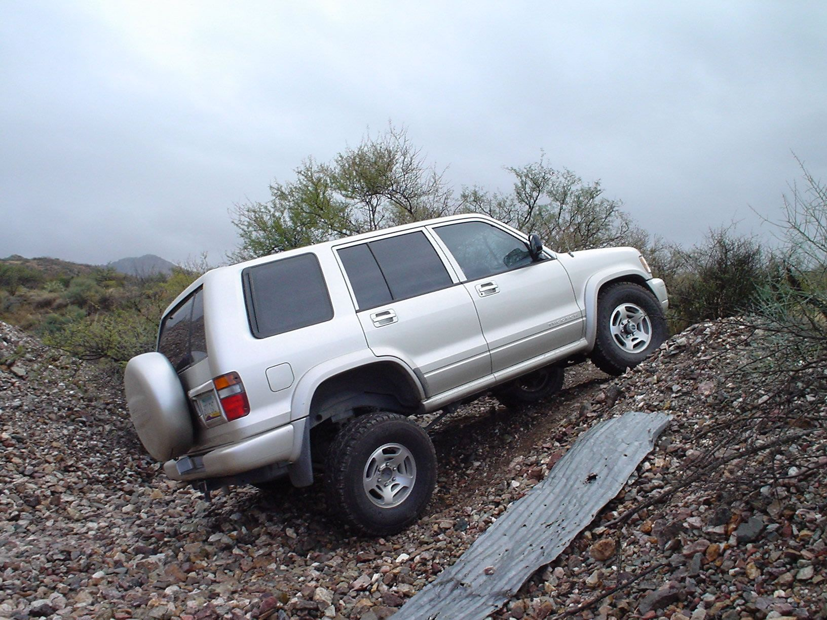 The 1998 2002 Trooper Offers Good Front Suspension Travel For An Independent Front Suspension Ifs Vehicle In 1998 Isuzu Used Trooper Travel Control Arms