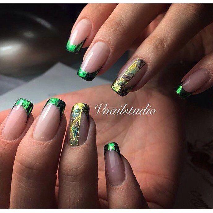 Зелёный френч на ногтях фото с рисунком