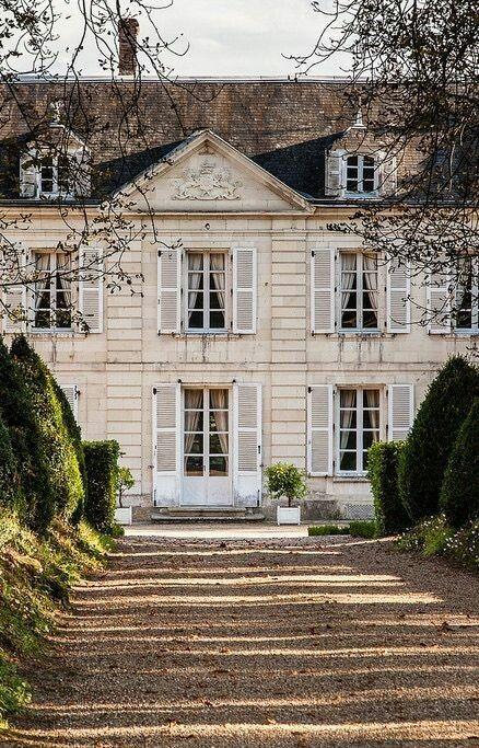Found on landscape nel 2019 case di campagna francesi for Interni case francesi