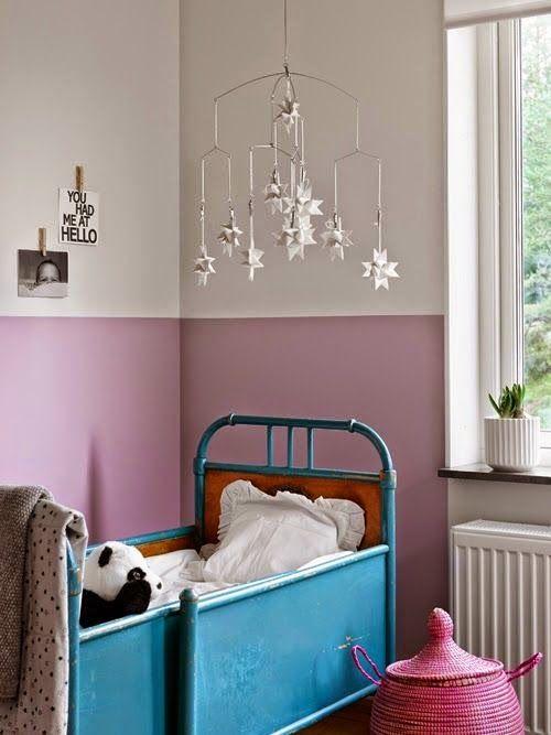 Habitaci n de ni a con paredes rosa y blanca paredes for Habitaciones pintadas